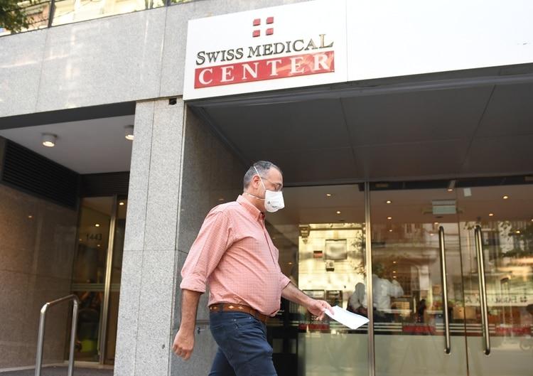 El hombre está en la Suizo Argentina (Maximiliano Luna)