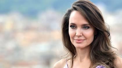 Angelina Jolie estuvo casada con Jonny Lee Miller, Billy Bob Thornton y Brad Pitt (Shutterstock)