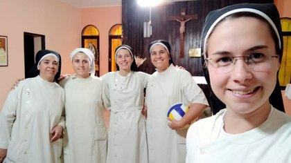 En Córdoba, cuando celebró los votos de las hermanas Evi y Ailén.