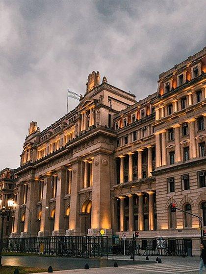El palacio de Tribunales alberga la sede del Poder Judicial y la suprema corte de Justicia de la Nación (@leotamborro)