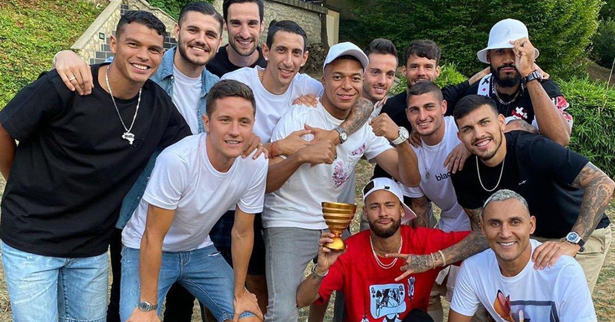 Cumbia argentina en el vestuario del PSG: cómo se hicieron fanáticos Neymar, Mbappé y compañía  - Infobae