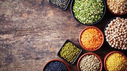 Las legumbres son ricas en fibra, antioxidantes y proteínas (iStock)