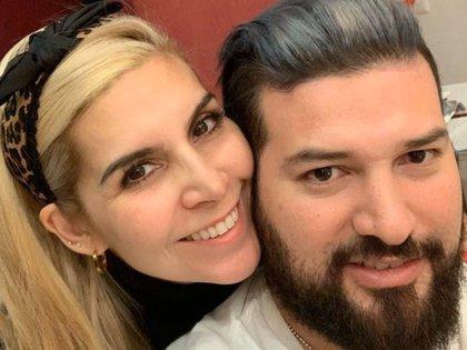 Karla Panini y Américo Garza se encuentran bajo una ola de ataques (TW: paniylachabella)