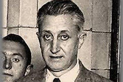 Un joven Arturo Illia, médico en la ciudad cordobesa de Cruz  del Eje.