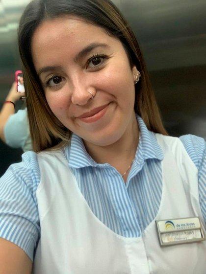Sin barbijo, antes de la pandemia, Antonella Rojas que siempre quiso trabajar en el ámbito hospitalario.