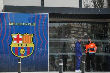 Las oficinas del Barcelona fueron allanadas este lunes (REUTERS/Albert Gea)