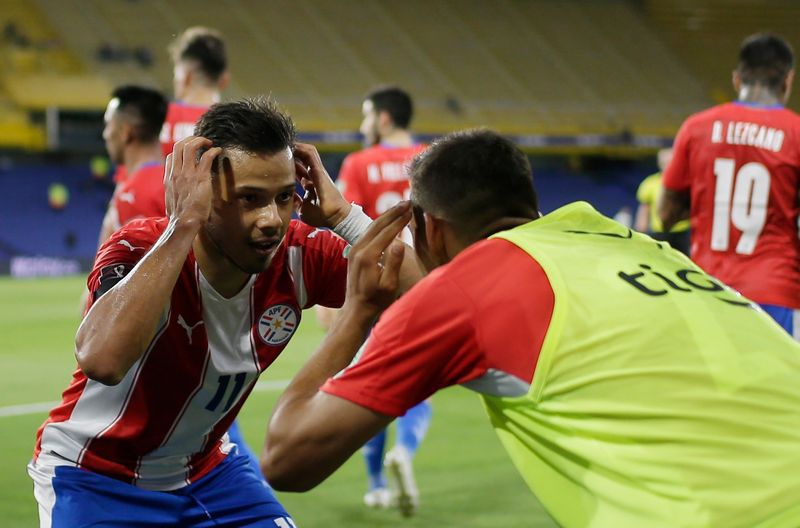 Los hermanos Romero son claves futbolísticas para San Lorenzo y la Selección de Paraguay (REUTERS/Juan Ignacio Roncoroni)