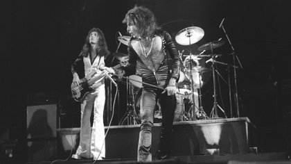 Queen Live at the Odeon, London, 1975 (The Grosby Group)