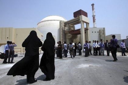 La planta nuclear de Bushehr, una de las utilizadas en el plan iraní para convertir el uranio en armas atómicas que estaba dirigido por  Fakhrizadeh.(Abedin Taherkenare/EFE)