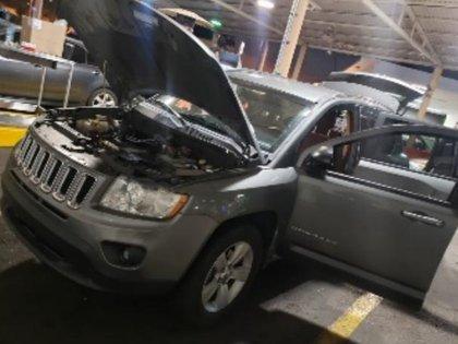 En el reporte de la AGA se precisó que el material confiscado se encontró a bordo de una camioneta gris marca Jeep, el cual estaba en cajas de cartón dentro de la cajuela (Foto: Cortesía/SAT)