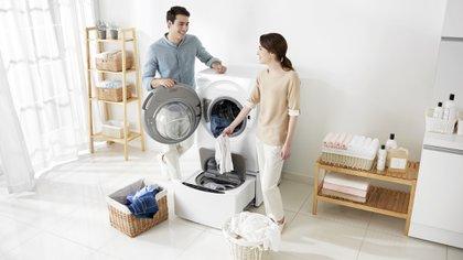 La limpieza es clave para cuidarse en tiempos de pandemia, incluyendo un lavado correcto de la ropa que se utilizó, para combatir gérmenes y virus