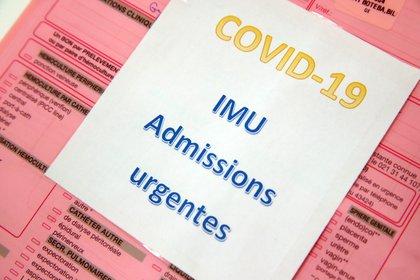 El COVID-19 fue clasificada como la segunda pandemia del Siglo XXI - REUTERS/Denis Balibouse