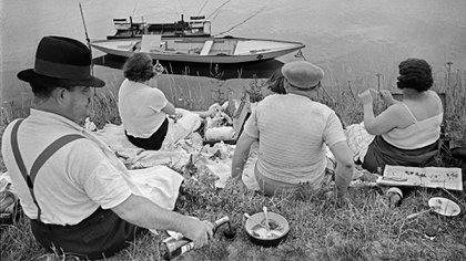 Domingo a orillas del río Marne. Francia, 1938