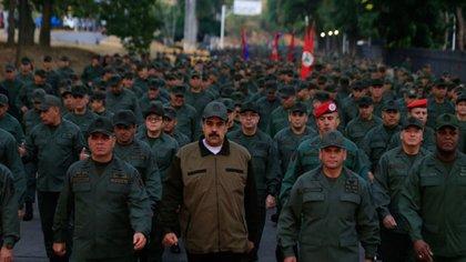 Nicolás Maduro con militares (@PrensaFANB)