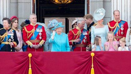 La familia real en el Palacio de Buckingham durante el Trooping the Colour 2017 (Shutterstock)