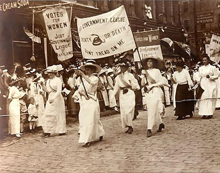 Las trabajadoras de todo el mundo fueron las primeras mujeres en alzar la voz por los derechos de género. Entre ellos, reclamaron el derecho a votar.