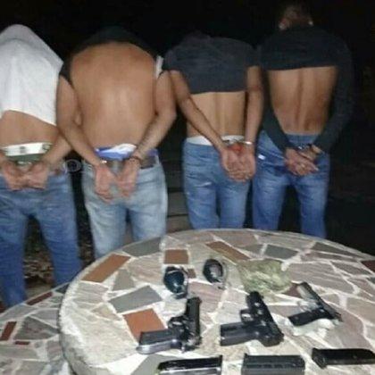 Los cuatro sujetos detenidos (foto: cortesía El Pitazo/Freddy Alvarado)