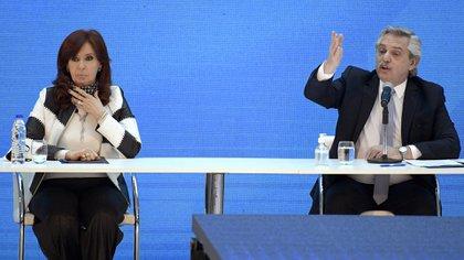 Alberto Fernandez y Cristina Fernández de Kirchner (Photo by Juan MABROMATA / AFP)