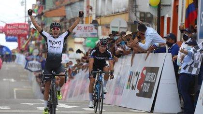 Aldemar Reyes ganó la quinta etapa de la Vuelta a Colombia; Yesid Pira se mantiene como líder