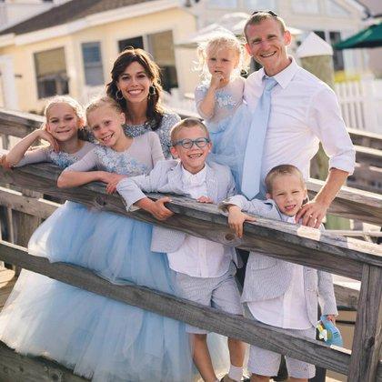 La atleta nació en Estados Unidos, está casada y tiene cinco hijos (@marathonmother)