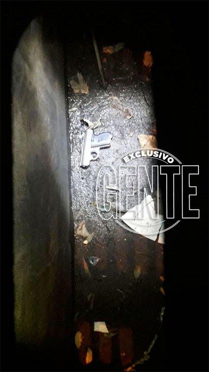 El arma encontrada en una alcantarilla.