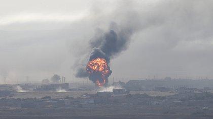 Turquía bombardeó posiciones kurdas en Siria. (Reuters)