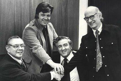 JoeShuster, Neal Adams, Jerry Siegel y Jerry Robinson