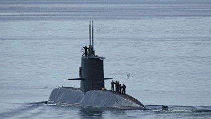 """El submarino debe ascender a la """"superficie de snórkel"""" cada dos o tres días"""