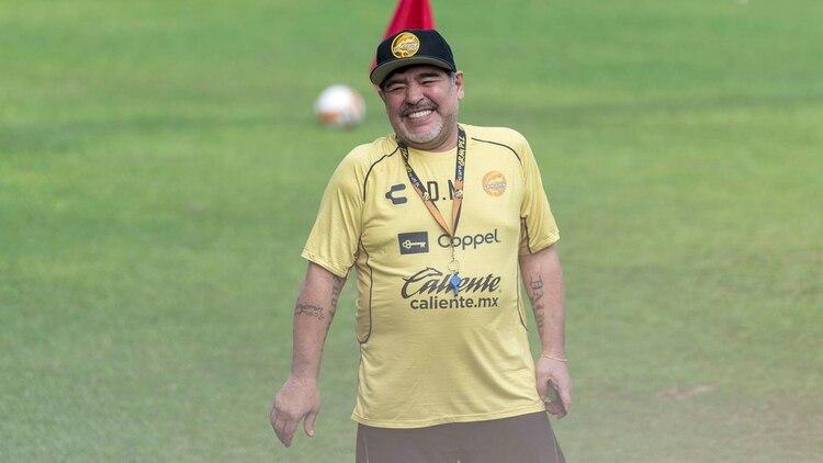 El salto del año  La oferta que recibiría Diego Maradona por su ... 0cfe3effd0ab3