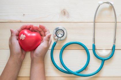 Estudios afirmaron que mujeres con una cintura grande aumentaba el riesgo de morir de enfermedad cardiovascular (Shutterstock)