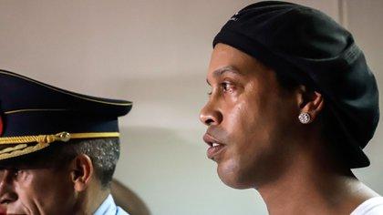 Ronaldinho está con arresto domiciliario en Paraguay
