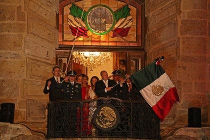 Imagen de Archivo. Enrique Alfaro Ramírez, Gobernador del estado, dio el tradicional grito de independencia desde el balcón de Palacio de Gobierno (Foto: Cuartoscuro)