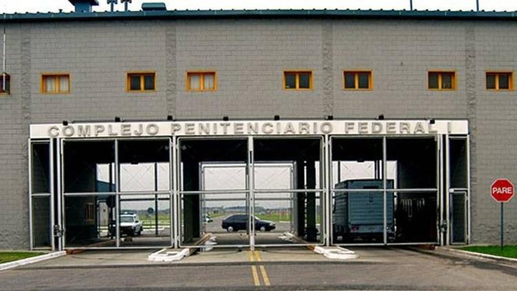El Congreso fijó límites a las prisiones preventivas que podrían beneficiar a ex funcionarios detenidos