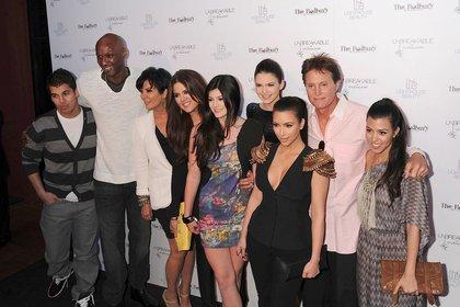 Robert Kardashian Jr., Lamar Odom, Kris Jenner, Khloe Kardashian, Kylie Jenner, Kendall Jenner, Kim Kardashian, Bruce Jenner y Kourtney Kardashian en 2011 (Shutterstock)