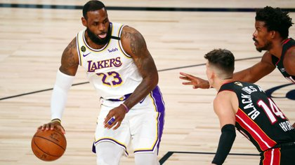 LeBron James ganó su cuarto anilla y misma cantidad de trofeos MVP al mejor jugador del partido (Mandatory Credit: Kim Klement-USA TODAY Sports)