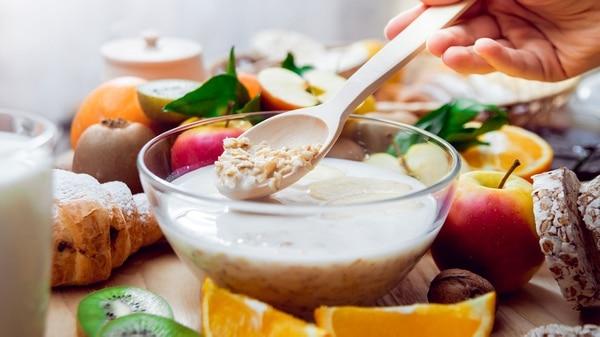 La mayoría de los cereales tienen demasiada azúcar y pocas proteínas (Getty)