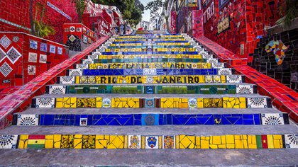 La Escalera de Selarón o Escadaria de Santa Tereza es una escalera ubicada en el barrio Santa Teresa, junto al convento homónimo (Getty Images)