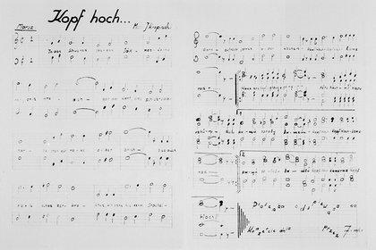 """Una composición creada en los campos, """"Kopf hoch"""" (¡Ánimo!) del músico Jozef Kropinski. (Museo del Holocausto de Washington DC, cortesía de Aleksander Kulisiewicz)"""