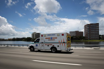 El gobierno de Florida asegura que el sistema hospitalario está funcionando con normalidad sin entrar en protocolo de crisis (REUTERS/Marco Bello)
