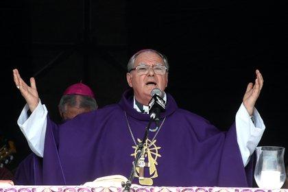 El obispo Oscar Ojea brindó el discurso principal de la misa (FOTOS Nicolás Stulberg y Lihueel Althabe)