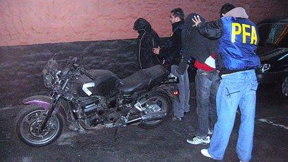 Dos motochorros extranjeros detenidos tras un asalto