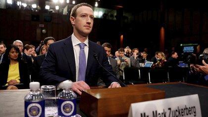 Mark Zuckerberg, interrogado en el Congreso de Estados Unidos en 2018 (Foto: Reuters)