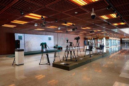 Las cámaras se mantienen erguidas, pero sin nadie que las opere (Foto: Cámara de Diputados)