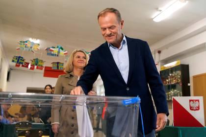El presidente del Consejo europeo Donald Tuskvota en Sopot, Polonia(REUTERS/Kacper Pempel)