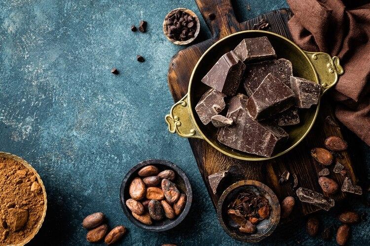 Se ha afirmado infinidad de veces que el chocolate es un afrodisíaco natural que puede despertar el deseo y la excitación, un ingrediente capaz de producir sensaciones en el cuerpo muy similares a un orgasmo (Shutterstock)