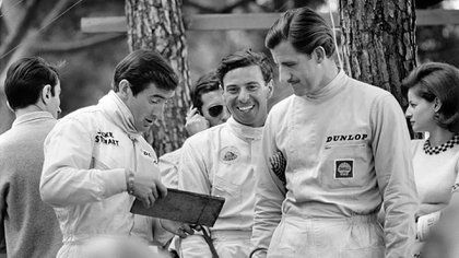 Sir Jackie Stewart, Jim Clark y Graham Hill en 1966 (Facebook Jim Clark Trust).