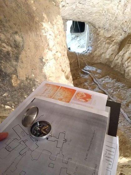 Dentro del sepulcro estuvieron alrededor de una hora por la falta de circulación de aire