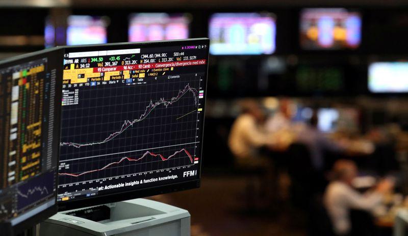 En el Fideicomiso Financiero el fiduciario es una entidad financiera, o una sociedad especialmente autorizada por la Comisión Nacional de Valores para actuar como fiduciario financiero, y los beneficiarios son los titulares de certificados de participación en el dominio fiduciario (Reuters)