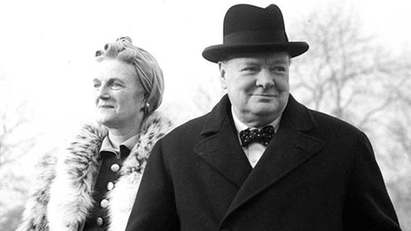 Churchill con su esposa, Clementine Hozier