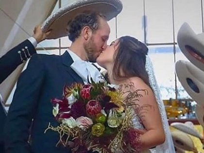 Camila Fernández se casó el sábado 1 de agosto con Francisco Barba (IG: maxwoodside)